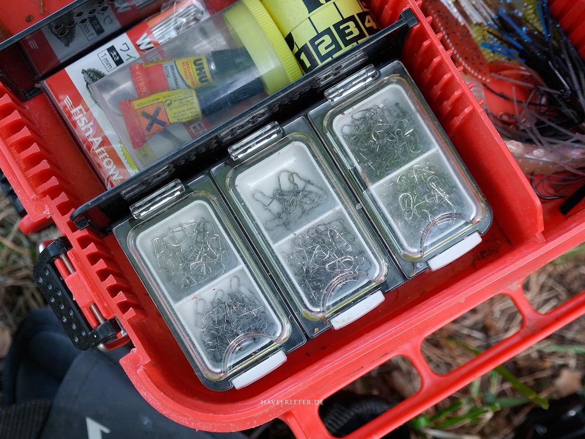 MEIHO Versus VS-420 - Aufbewahrung in MEIHO Versus VS-3080 Tackle Koffer, links oben