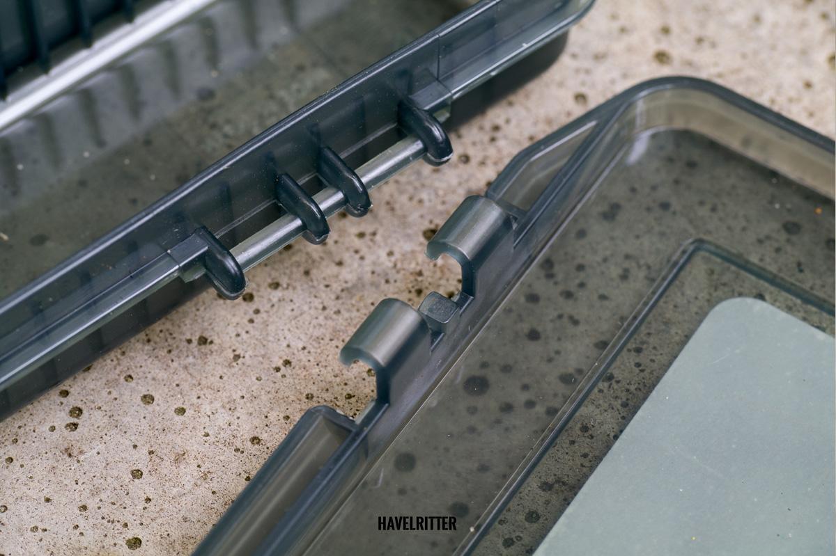 MEIHO Versus VS 3020 Tackle Box - Scharnier, auseinander gebaut