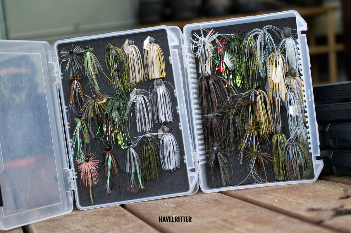 MEIHO Versus VS 3020 Tackle Box für Skirted Jigs und Chatterbaits